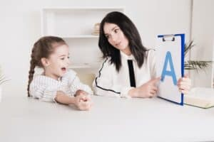 Bilingual Speech Therapy: What You Need to Know About It